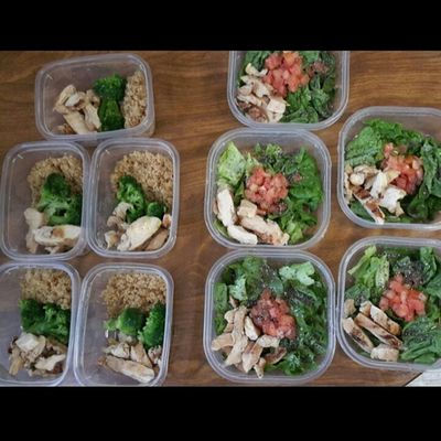 Figured I'd join the meal prep gang!! Mealprep EatHealthy Eatyourcolors Eatyourgreens Farmacy Eatlikeyougiveadamn EatTheRainbow Fitspiration Fitfam Fitgirl Fitspo Fitlife Mealprepsociety Mealprepmadness Mealprepday Mealpreplikeaboss Mealprepideas Mealprepgang Healwithfood Healthyfoodporn Health
