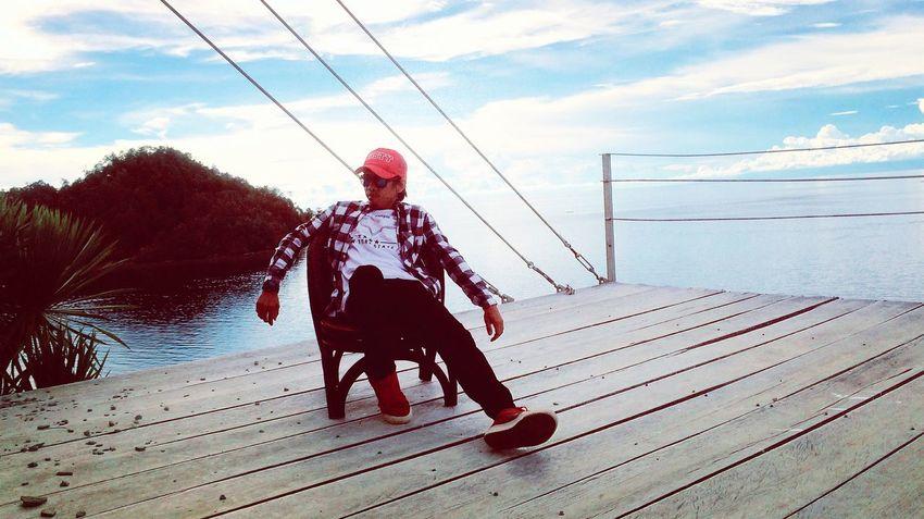 Enjoy the view. 🌤 🌊 🏝 🌄 📸 Hello World That's Me Check This Out Taking Photos Enjoying Life Relaxing Trip Adventure Holiday Traveling Nature Beachphotography Travel Photography Kolakautara Sulawesitenggara Exploreindonesia Visitindonesia