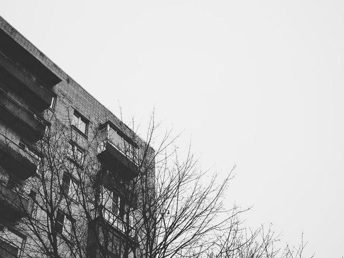 Minimal Minimalism Minimalist Architecture Withgalaxy снятонаgalaxy Saint Petersburg Санкт-Петербург Bw Bnw Blackandwhite Black And White Black & White Building Architecture Exterior Outdoors Pixelated Clear Sky Spraying Sky