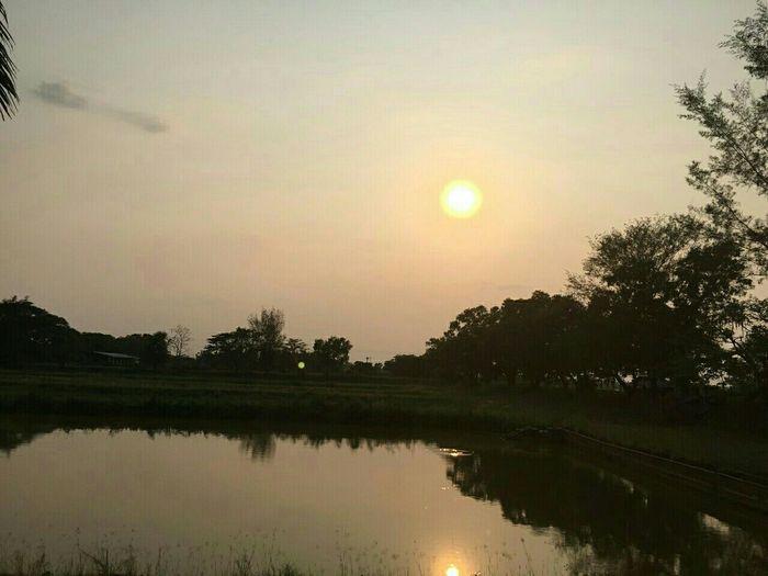 พระอาทิตย์ยังมีสองดวง แล้วนับประสาอะไรกับคนที่จะมีสองใจ (ไม่ได้) Thailand Thailand_allshots Thailandsky Thailand_allshot Sakonnakhon SakonNakhon ,Thailand Photography Photo♡ PhotoByMe Photobydoramay
