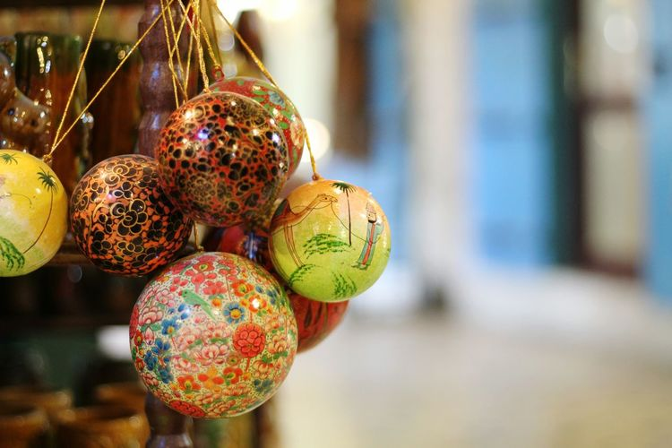 Colors and patterns Focus On Foreground Multi Colored Close-up Colorful Vibrant Color Balls Painted Balls Doha,Qatar Souq Waqif Oriental Style Oriental Design Artisanat Retail  Souq Handmade For You