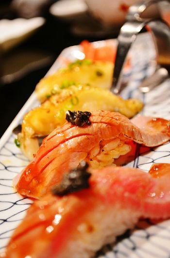 無法自拔的生魚片時間....ヽ(*´▽)ノ♪ Sushi Japanese Food Japanese Restaurant Japanese Cuisine Dinner Dinner Time Sasimi Wasabi Fish Food