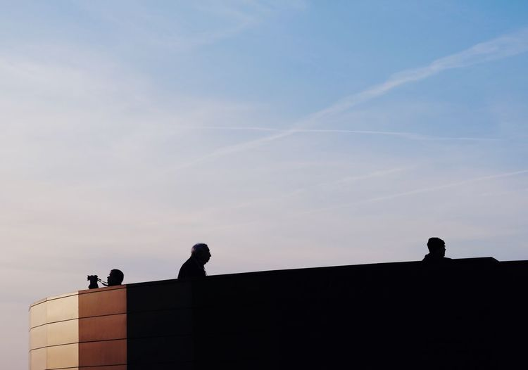 Hamburg City View  City Life City Dawn Silhouettes Silhouette Street Photography Streetphotography Sky Architecture Built Structure Silhouette Low Angle View Building Exterior Nature Cloud - Sky Outdoors People 17.62°