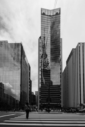 SAMPAcity SaoPaulo-Brazil Urban Exploration Urban Geometry Architecture Building Exterior Built Structure City Day Modern Outdoors Sampa Saopaulo Saopaulocity Skyscraper Street Street Photography Streetphoto_bw Streetphotography Urban Urban Landscape Urban Photography Urban Skyline Urbanphotography Walking