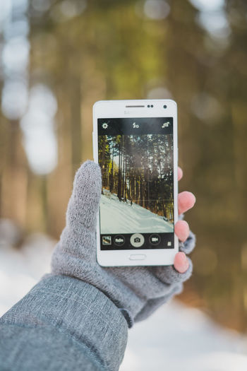 Samsung Cellphone Communication Device Screen Focus On Foreground Human Hand Mobile Phone One Person Outdoors Personal Perspective Samsung Galaxy A5 Screen Smart Phone Using Phone Wireless Technology
