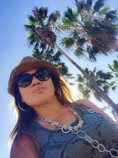 Sun is starting to set behind me at Santa Monica State Beach. Beautiful beach with lots of palm trees around! Beachlife Palm Trees That's Me CaliLifeStyle Self Portrait