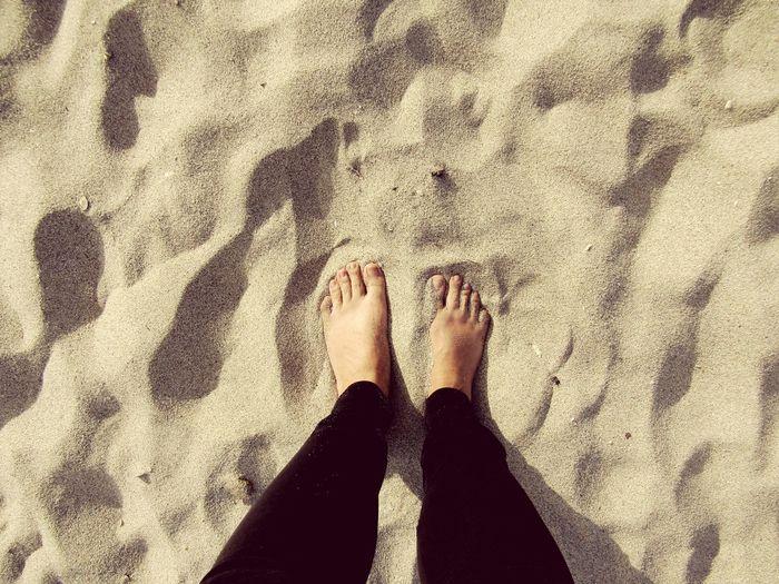 Sabbia Beach Standing Sand Sunlight Women Feet Free Time