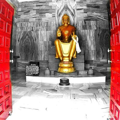 Viajerosporelmundo Buddhism Buddhist Temple Varanasi India Traveling Travel Photography Travelindia IndredibleIndia Mochilero Namaste ❤ Myshot