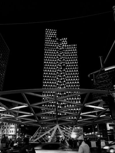 Black And White Rain Buildings Abstractarchitecture Abstract Geometric Abstraction Patterns Patterns Architecture Cities At Night