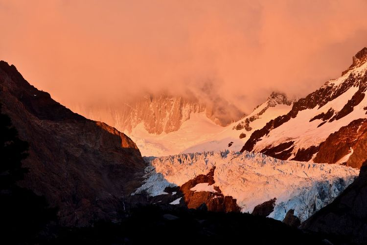 Los Glaciares National Park Beauty In Nature Cold Temperature Dawn Glacier Landscape Mountain Mountain Range Nature No People Outdoors Physical Geography Rock - Object Scenics Sky Snow Sunrise Tranquil Scene Tranquility Travel Destinations Winter