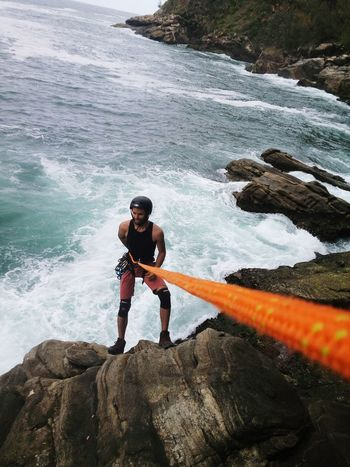 Beira mar. Gruta da sacriatia. Water One Person Nature Outdoors Day Adventure Real People People Young Adult Full Length One Man Only Beauty In Nature Adult Adults Only Extreme Sports Only Men Go Higher