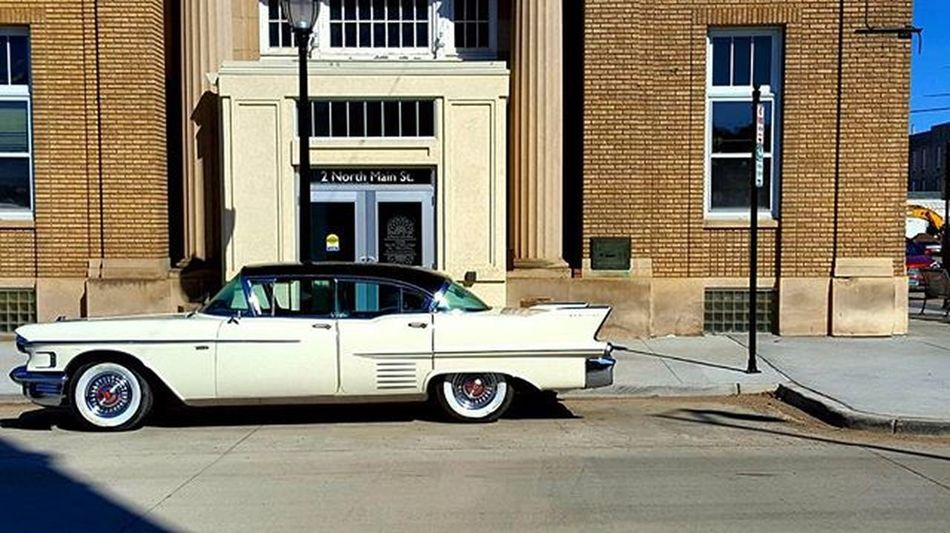 Minot Nd USA Classic Car Cadillac White Downtown