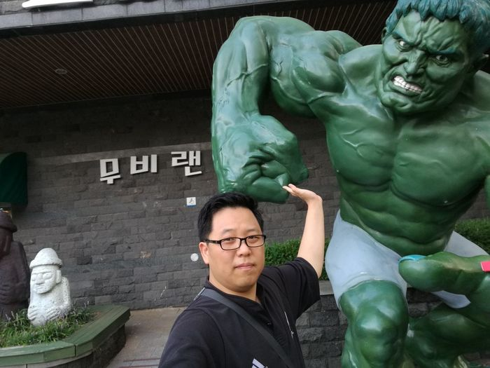 Human Representation Statue Adult Men Green Color Sculpture Only Men People Eyeglasses  Indoors  Males  Adults Only Day City Young Adult