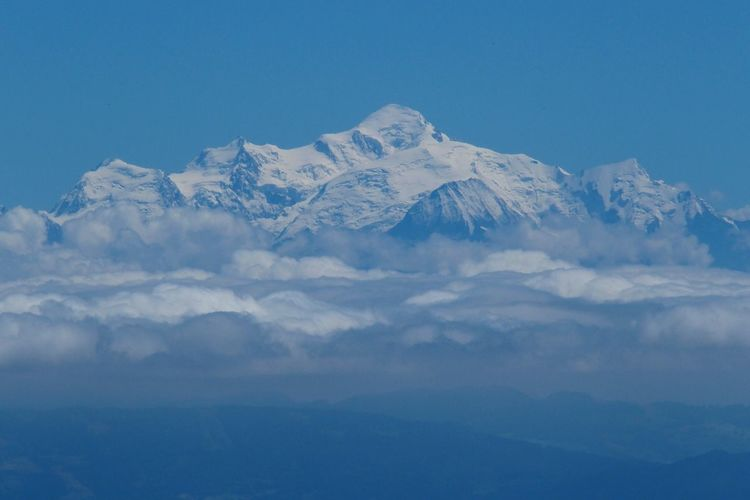 Montblanc Blue Sky Mountains White And Blue In The Sky