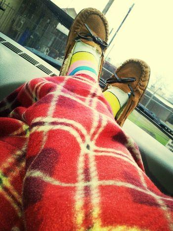 O yes Cozy slippers n blanky