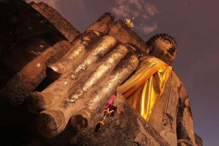 ASIA Southeastasia Thailand Sukhothai Travel City Town Temple Wat Ruin Landmark Old Sukhothai Mahathat Mahathat Temple Architacture Si Satchanalai Chailang Chailang Historical Park Phra Si Ratana Mahathat Buddha Wat Mahathat