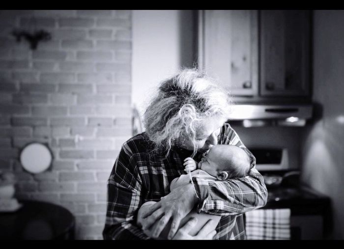 Meeting grandson for the first time! Priceless Love ♥ Special Moments In Life Love♥ Unconditional Love Forever In My Heart Grandsonlove Family❤ Beauitful