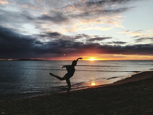 Playa Playa♡ Paz ✌ Paz Beach One Person Women Ananda Santosha Amor Verdadero Amanecer En El Mar Brasil Brasil ♥ Yoga ॐ