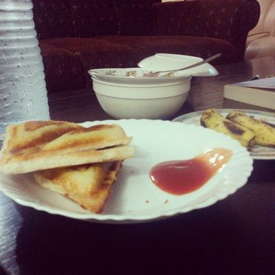 Homemade sandwiches with lots of ketchup ? Because mama said mixing ketchup with the filling would be too messy ? Instagram Photo Food Ramzan iftar