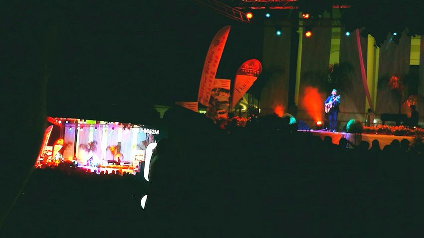 Taking Photos Concert Photography Music Cellularphotography Tiromancino