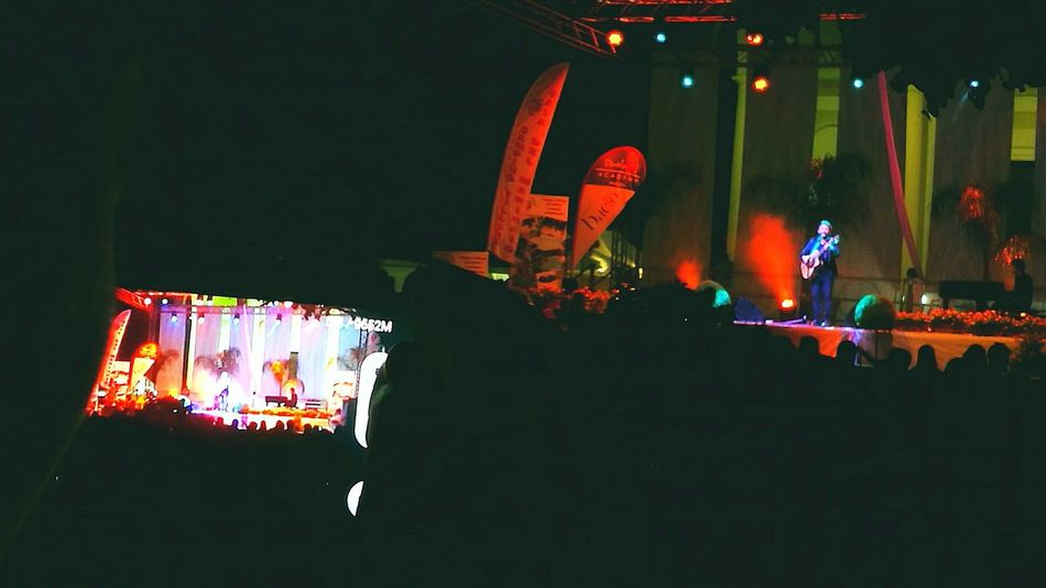 Taking Photos Concert Photography Music Cellularphotography Tiromancino