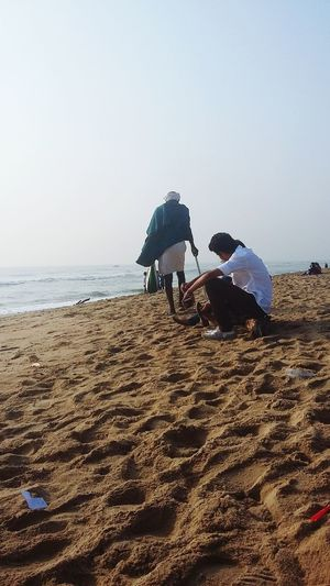 The Tourist The Tourist Mission Beach Beggar India Tourism