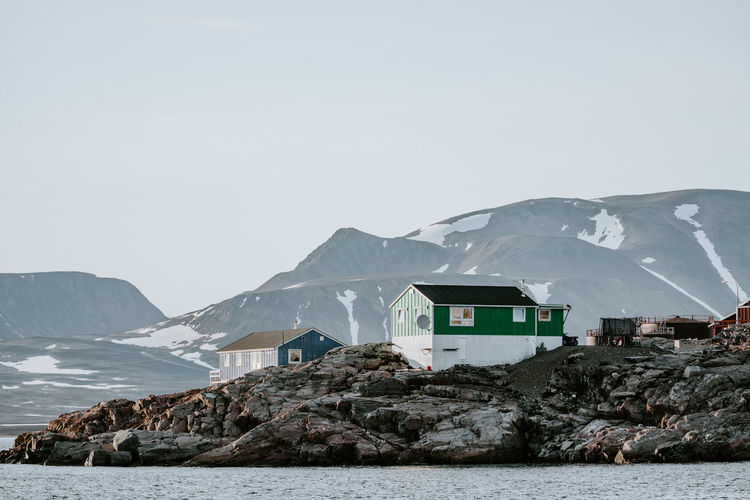 Remote Arctic settlement, Ittoqqortoormiit Greenland Houses Ittoqqortoormiit Remote Location Arctic Coast Coastal Day Nature Outdoors Scoresby Sound Scoresby Sund Town Village