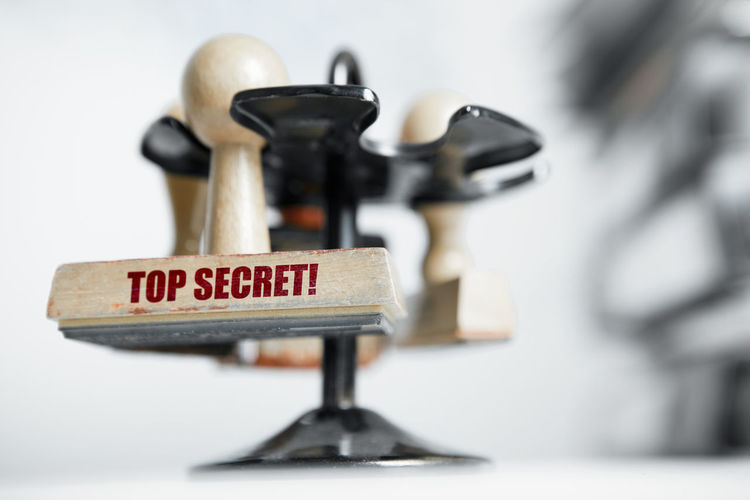 top secret files save folder infos Locked Top Secret Mission Close-up Confidential Files FilesFolder Folder Indoors  Infos Management No People Save Sensitive Sensitive Photo Stamp Statues Top Secret