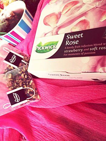 Love Tea Strawberries ♡ Rose Tea love rosees!