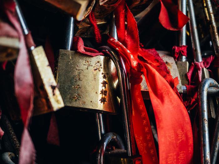China Close-up Day Golf Club Lock No People Outdoors Padlock Red Ribbon Temple