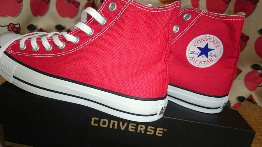 中学時代に憧れたCONVERSE。買って貰えなかった。息子に『ブーツのような靴買って~』って……ABCマートへ。どんな靴を選ぶのかな?と……。悩むこともなく、CONVERSE。 Converse 赤 Red 24.5cm ABCマート