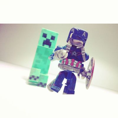 Run cap run! Minimates Minecraft Diamondselect Videogames Creeper Mcu Mojang Figurelife Figurecollecting Collecting Collector Steverodgers Avenger Captainamerica Figures Manchild Crossover