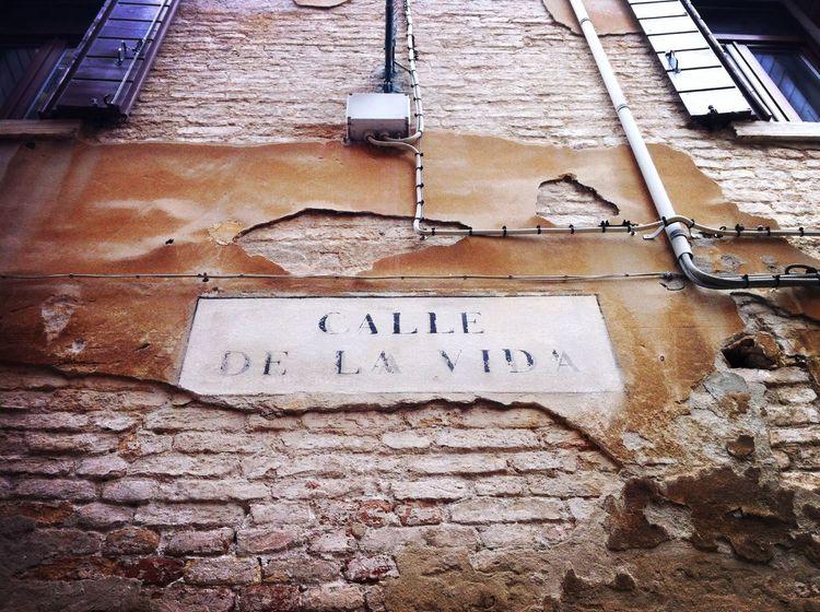 """""""Ascoltare musica e pensiero"""" - non ricordo perché l'ho scritto ma mi piace. 100happydays Day14 Venezia"""
