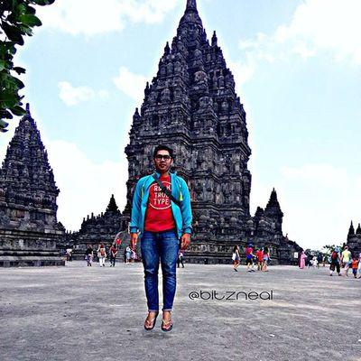Prambanan INDONESIA Instagram BitzArt Levitasi