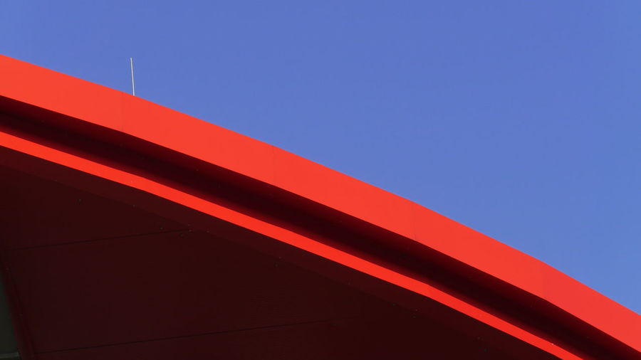 Red roof Abstract Built Structure Red Architecture Close-up Clear Sky Backgrounds Building Structures Building Exterior EyeEm Gallery Eyem Gallery Modern Low Angle View Red Roof Red And Blue Minimalist Architecture The Graphic City 17.62°
