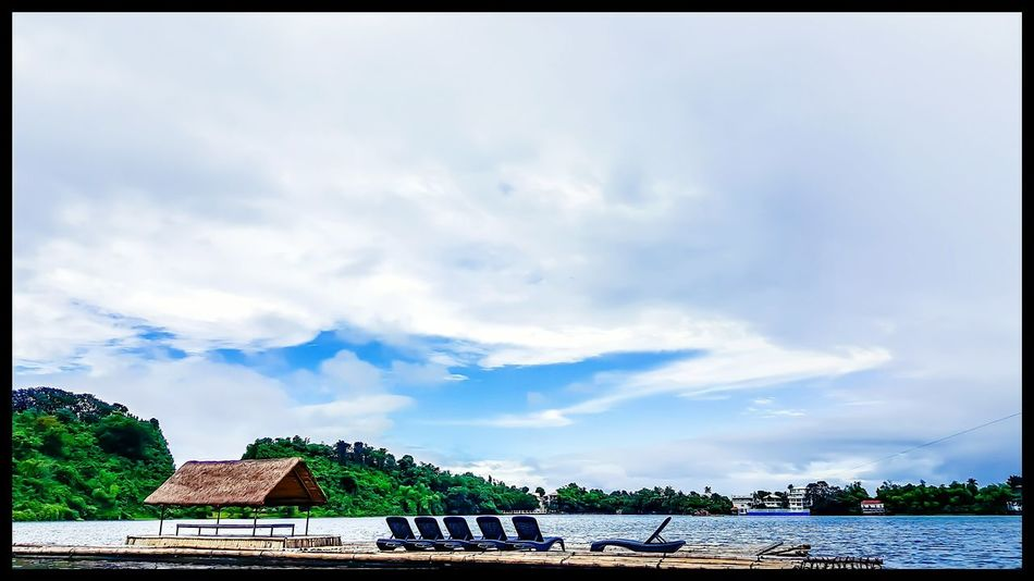A place for your heart and soul that gives peace. Cloud - Sky Beauty In Nature Tranquil Scene Lake View Peaceful View Chill