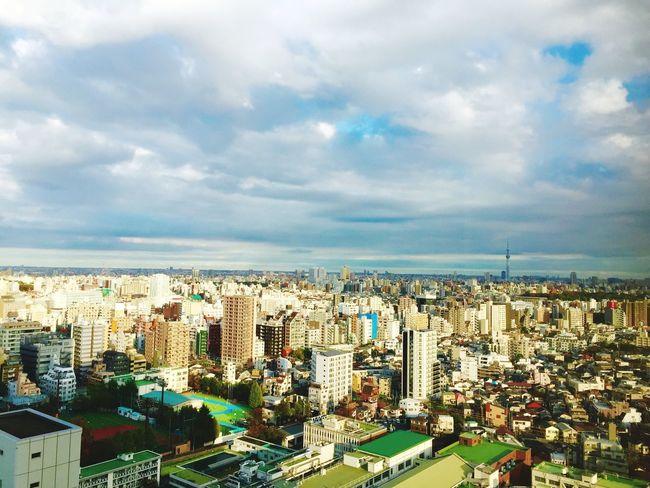 今年ももう直ぐ終わり。雪はまだかな…. IPhone Holiday Nice Pic Sky Day Tokyo 2015  Nice View Check This Out 43F Japan Winter Cristmas EyeEm Good