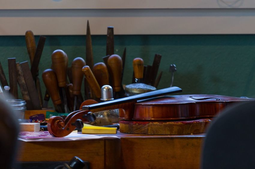 Variation Large Group Of Objects Group Of Objects Classical Instruments Musical Instruments Wood - Material Brown Color String Instrument Tools Work Bench Repairs Luthier In A Row Medium Group Of Objects Collection Order Various