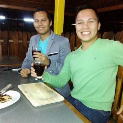 Aquí con mi colega, amigo y hermano. Celebrando un poco nuestro día! Doctors M édicos Medicine FelizD íaDelMédico Igers IgersVenezuela InstaGood InstaMood InstaCool InstaMoment InstaPhoto PicOfTheDay GFDaily GF_Ve Like TagsForLike