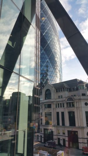 Gherkin Building looking from the Leadenhall Building mid morning. Cityscapes Unseen London London Architecture Cityscape Reflections