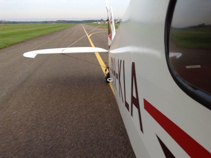 PH-KLA taxi to runway EHTE