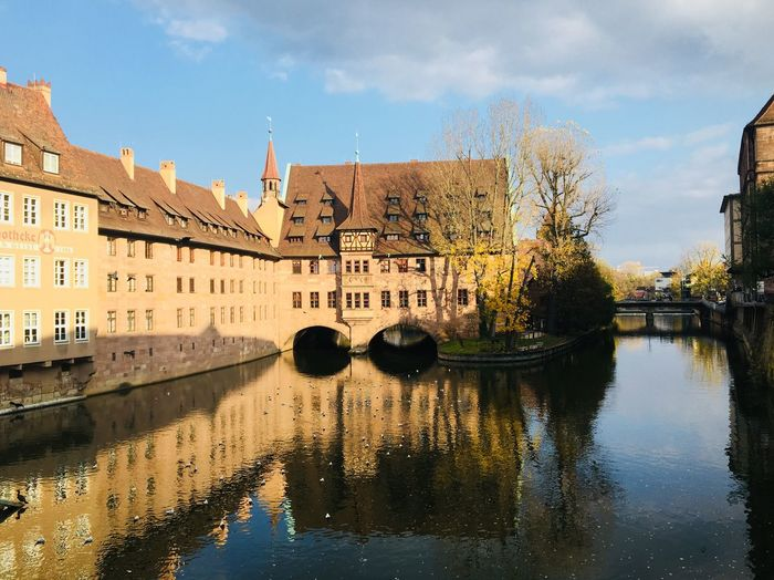 Architecture Building Exterior Built Structure Water Reflection Sky Day Waterfront Outdoors No People Tree Cloud - Sky River Travel Destinations Nature City Lorenz Fluss Pegnitz Nürnberg Herbst 🍂