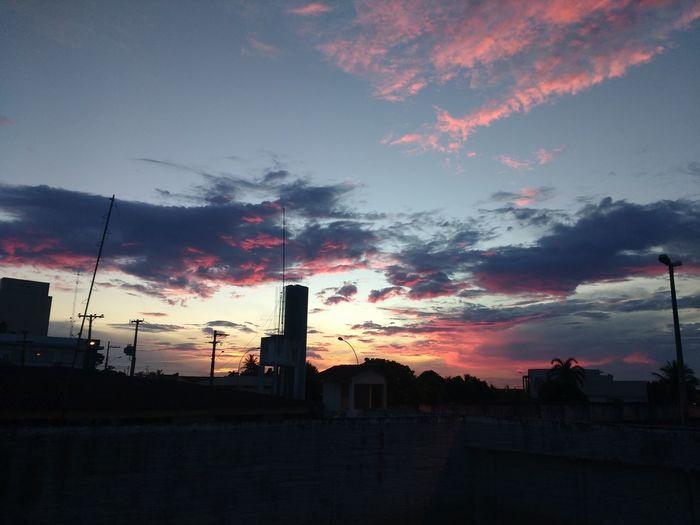 Mundo Show! Nature Nuvens Por Do Sol ⛅ Cloud - Sky Céu Colorido Nuvens Negras Raio Solares Sol Sunchine Sunset