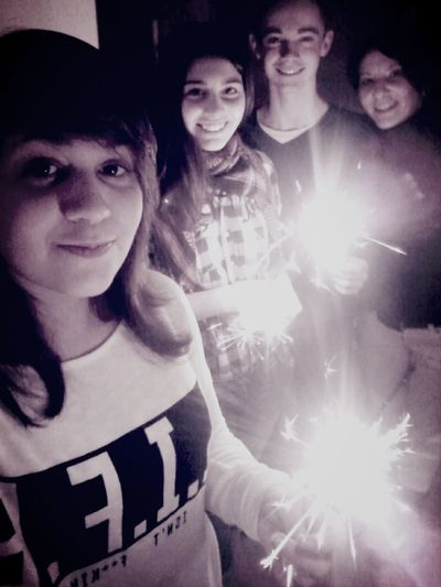Sparklers Family And Friends Taking Photos Silvester *-*