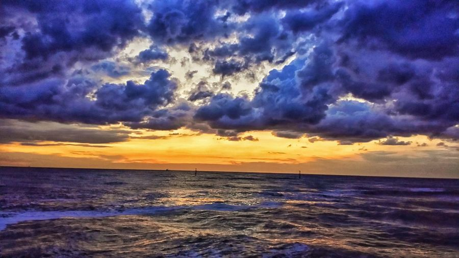Sunrise Summer Summertime Photooftheday EyeEm Nature Lover Orange Sky EyeEm Selects Water Sea Wave Sunset Beach Summer Dramatic Sky Horizon Sky Horizon Over Water Seascape Coast Storm Cloud Calm Moody Sky Atmospheric Mood Thunderstorm