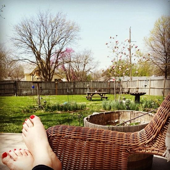 Chillin' out maxin' relaxin' alllll cool Easterfeaster Family Sunnydays Krenzeltime
