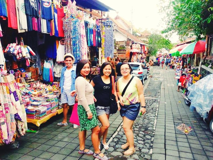 Vacation Ubud Market Bali, Indonesia Shopping Friends Bali Gang VSCO Vscocam Travel Shopping ♡