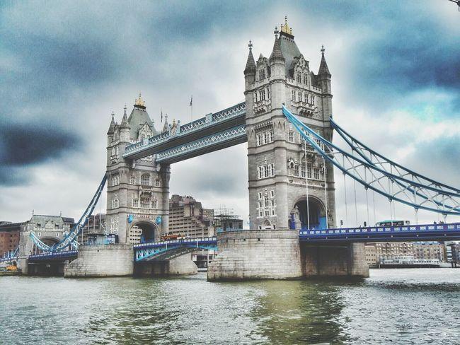 Tower Bridge. London, febrero de 2014. London Towerbridge Thamesriver