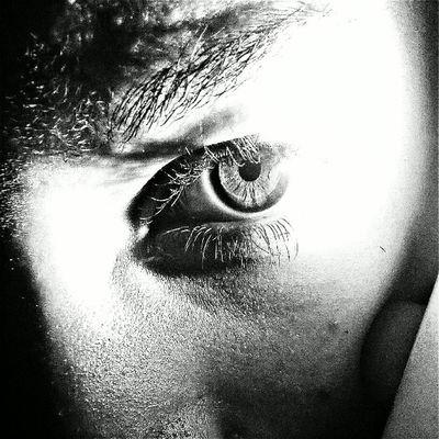 """""""Porque meu corpo diz que sim Mais seus olhos dizem não Reflita isso diga isso Eles não sabem como é Diga que é kidd's eyes Porque eu amo a Califórnia Mais você é um paraíso Seus olhos são um paraíso"""" Kidd's Eyes Kiddseyes Newssongs Newalbumdisclosure Paradiseeyes @viic_vi sweetoutake outtakeyes"""