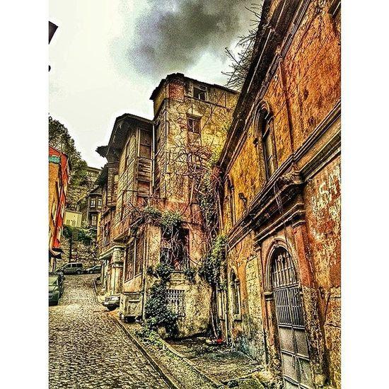 Nostalgic  Historical Historical_life Architecture_building architecture improvisation color colour wrecks ruin eminönü istanbul turkey